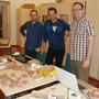 Kutatók a krokodil maradványainak azonosítása közben (középen Ősi Attila)