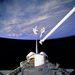 1994. szeptember 16. STS-64: Carl J. Meade (balra) és Mark C. Lee közös űrsétán tesztelik az új, SAFER (Simplified Aid for EVA Rescue) mentőegységet.