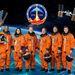 Az STS-133-as küldetésen résztvevő hat űrhajós hivatalos NASA-csoportképe. Balról jobbra: Alvin Drew, Nicole Stott, Eric Boe (pilóta), Steve Lindsey (parancsnok), Michael Barratt és Steve Bowen.