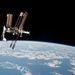 Paolo Nespoli űrhajós több oldalról is lefényképezte a 354 kilométeres magasságban haladó ISS-t és az Endeavourt. Ezek az első (és egyben utolsó) orosz űrhajóról készített  távlati képek ISS-hez kapcsolódott amerikai űrsiklóról.
