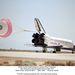 1992. május 16. Az Endeavour első landolása, az Edwards légibázison, a hétnaposra tervezett, végül két nappal meghosszabbított STS-49 küldetés végén.