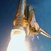 2000. február 11. Az STS-99 küldetés startja. Az űrsikló 3D-felvételek készít a Föld felszínéről 11 napos útja során.