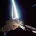 2002. november 23. STS-113: az űrsikló nyitott raktere, a Föld és egy holdsugár.
