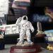 Tisztelgő űrhajós