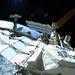 2011. július 12. Ron Garan űrséta közben készült felvétele az űrállomásról. Balra a Progressz orosz teherűrhajó, jobbra az Atlantis látható.