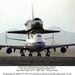 1991. január 1. Palmdale, Kalifornia. A NASA 747-ese a Rockwell gyárából Floridába viszi az elkészült Endeavourt.